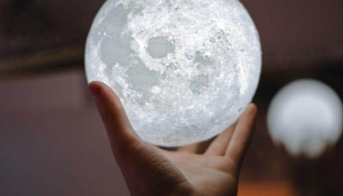 comment utiliser l'energie lunaire pour manifester vos souhaits photo de couverture